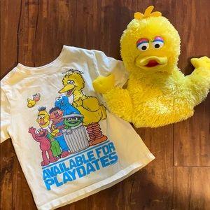 Sesame Street T-shirt & Big Bird Hand puppet